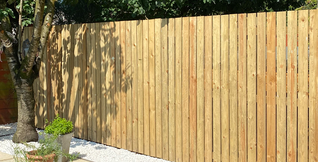 SLJ Contracts can supply and erect a variety of fencing styles, shapes and sizes including Ranch, Feathered Edge, Slatted and many more.